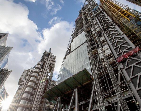 בניין בתהליכי בנייה