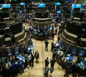 """השקעה בבורסה או בנדל""""ן"""